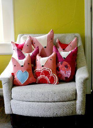 Beautiful mess fox pillow pattern