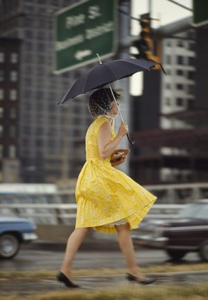 0yellow dress umbrella