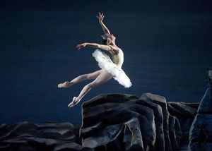 Ballet-ABT-Swan-Lake-Isabella-Boylston