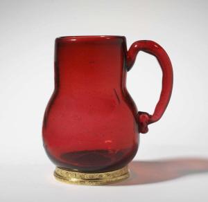 Mug-c1700-German-ruby-glass-silver-gilt-mounts-V&A