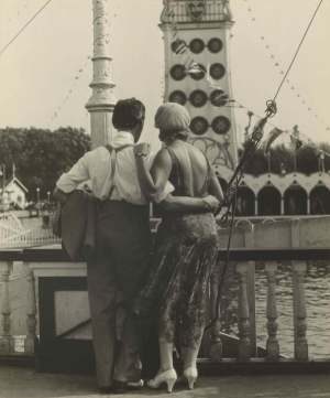 Evans-Walker-Couple-at-Coney-Island-1928-gelatin-silver-print-Getty