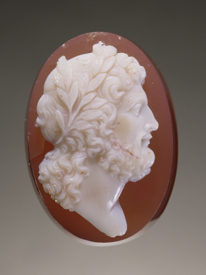 Anonymous-orfevrerie-Europe-cameo-Jupiter-18th-19th-century-unidentified-layered-gemstone-Getty-c