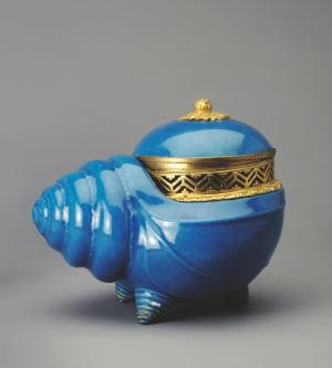 Sèvres-Potpourri-vase-Snail-shaped-1763-68-porcelain-Hermitage-B