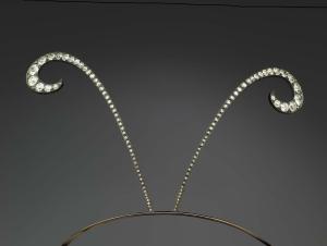 0-Lalique-René-Hair-ornament-with-antenae-c1900-gold-silver-steel-diamonds-Museum-of-Fine-Arts-Boston
